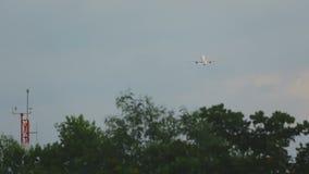 Flugzeugstart ein Aufstieg stock video