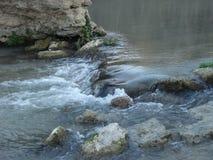 Flujo del agua Fotos de archivo