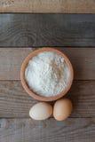Fluor con due uova Fotografie Stock