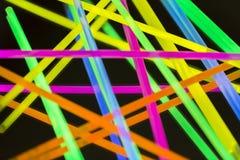 Fluorescerande neon för kulöra ljus Arkivfoton