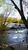 Fluss über Felsen Stockbilder