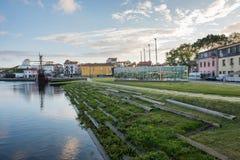 Fluss-Allee Vila do Conde stockfotos