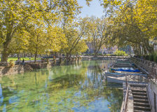 Fluss in Annecy Stockbilder