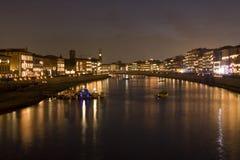 Fluss Arno in Pisa Stockbild