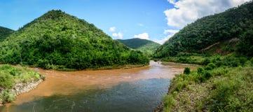 Fluss Balu Chaung, nahe Lawpita-Wasserkraft-Station, Kayah-Zustand, Lizenzfreies Stockbild