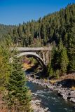 Fluss-Brücke North Fork Payette lizenzfreies stockfoto