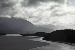 Fluss in den tasmanischen Bergen Lizenzfreies Stockbild