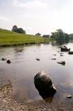 Fluss in den Yorkshire-Tälern Lizenzfreies Stockbild