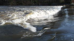 Fluss in der Flut stock footage