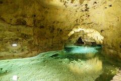 Fluss in der Seehöhle in Tapolca ungarn Lizenzfreie Stockfotos