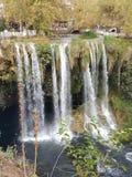 Fluss des Wasserfalls Stockfoto