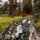 Fluss durch eine Villa Lizenzfreies Stockfoto