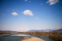 Fluss fließt in Japan Stockfotografie