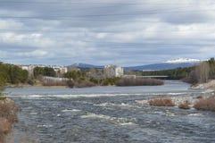 Fluss Frühling Niva Stockfotos