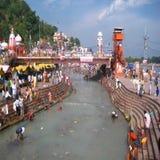 Fluss Ganga, Ghats, Haridwar, Indien lizenzfreie stockfotografie