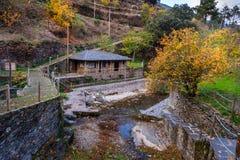 Fluss in historischem Dorf piodao Stockbilder