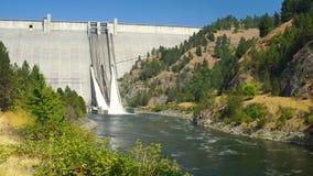 Fluss Idaho Dworshak-Verdammungs-konkreter Schwerkraft-North Fork Clearwater stock video footage