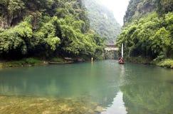 Fluss im Bambuswald Stockfoto