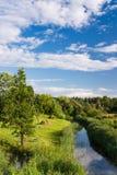 Fluss im ländlichen Gebiet Stockfotos
