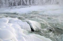 Fluss im Winter Stockbild