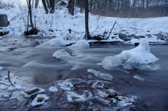 Fluss im Winter Stockfoto