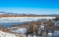 Fluss im Winter Lizenzfreie Stockfotos