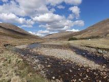 Fluss Kinglass, Glen Kinglass, Schottland-Westhochländer im Frühjahr lizenzfreies stockbild