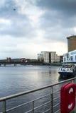 Fluss Lagan und das Hafenviertel Belfast Lizenzfreie Stockbilder