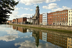 Fluss Liffey in Dublin Stockbilder