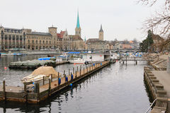 Fluss Limmat Zürich, die Schweiz Lizenzfreies Stockbild