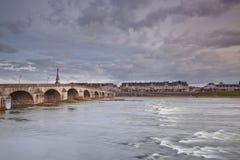 Fluss Loire und Blois Lizenzfreies Stockbild