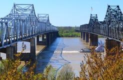 Fluss Mississipi-Brücken lizenzfreie stockbilder
