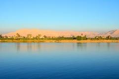 Fluss Nil und Westjordanland von Luxor Lizenzfreie Stockfotografie