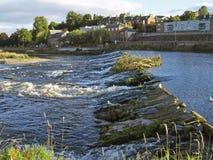 Fluss Nith Wehr Lizenzfreies Stockfoto
