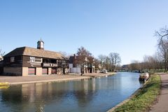 Fluss-Nocken in Cambridge Großbritannien, das Hochschulboots-Häuser und hou zeigt Stockfotografie