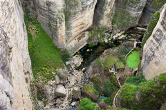 Fluss-Schlucht EL-Tayo in Ronda Lizenzfreies Stockbild