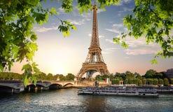 Fluss Seine und Eiffelturm Lizenzfreies Stockbild