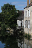Fluss serein Landschaft, Noyers, Burgunder, Frankreich Lizenzfreie Stockfotos