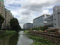 Fluss in Shanghai China Stockfotos
