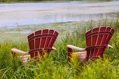 Fluss-Stühle Stockfotografie