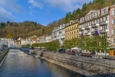 Fluss Tepla in Karlovy Vary, Tschechische Republik Stockfotos