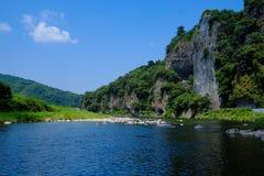 Fluss und Berg Stockbild