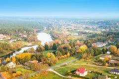 Fluss und Landschaft Stockfotografie
