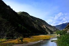 Fluss und Schlucht Lizenzfreie Stockfotografie