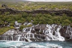 Fluss und Wasserfall Stockfoto