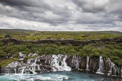 Fluss und Wasserfall Lizenzfreie Stockfotos