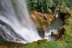 Fluss und Wasserfall Lizenzfreie Stockbilder