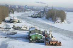 Fluss Volga in der Winterzeit Stockfotos