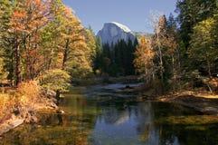 Fluss in Yosemite stockfotografie