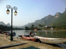 Fluss, zum der Pagode in Hanoi, Vietnam, Asien zu parfümieren Lizenzfreie Stockfotos